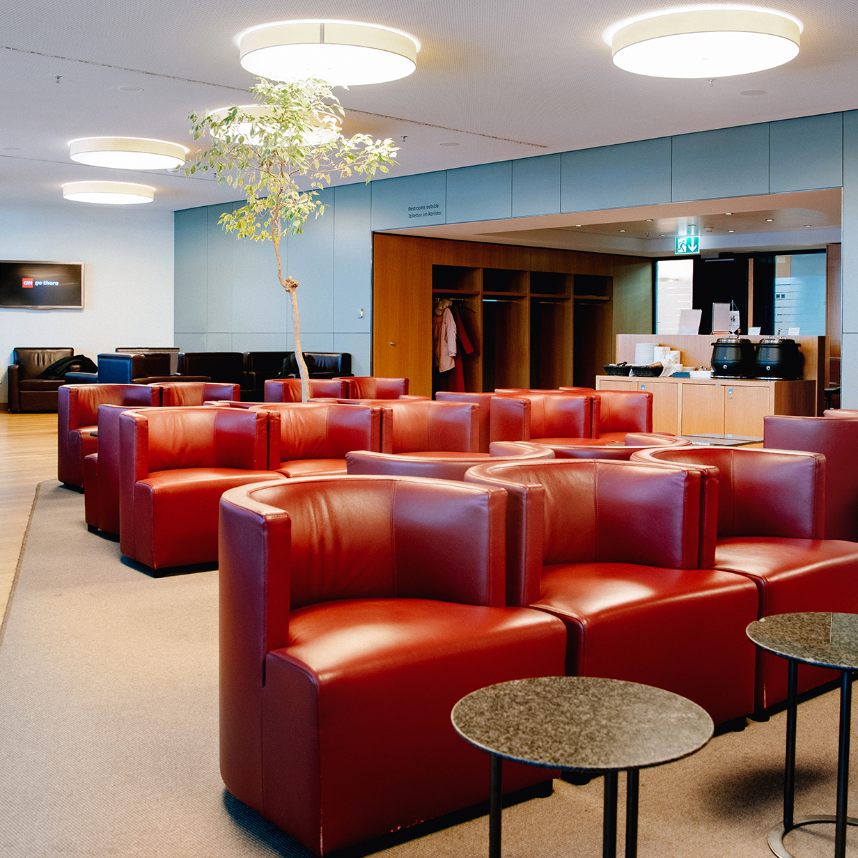 Zurich Airport Lounge, , large